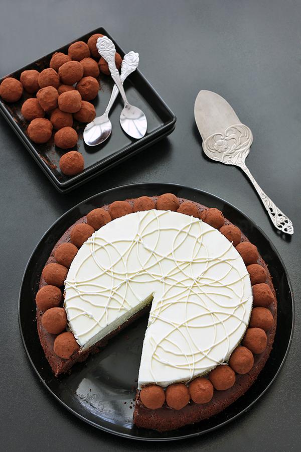 עוגת בראוני, מוס שוקולד לבן וטראפלס